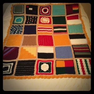 Granny Square Afghan Vintage Retro Colors Scallope
